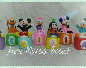 Cubos decorados turma Mickey biscuit