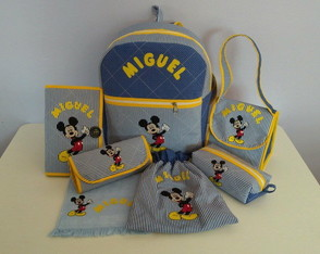 Kit Escolar com Mochila M de Mickey