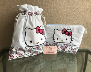 Kit Higiene Impermeável Hello Kitty