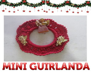 Mini guirlanda de crochê