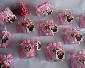Lembrancinha-7: Minnie party (cx 10x10x3cm)=130g