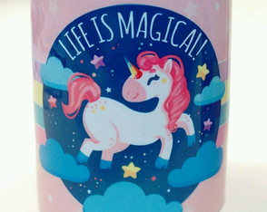 "Caneca Unicórnio ""Life is Magical"""