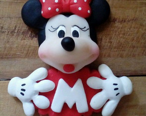 imã Minnie com placa com nome