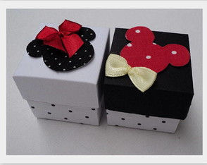 caixinha-decorada-mickey-e-minnie