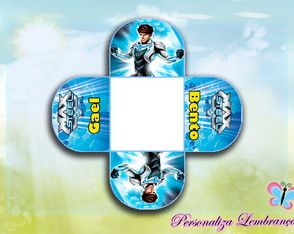 Forminha para doces Max Steel