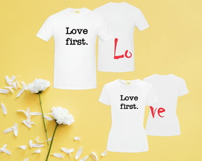 kit Camiseta ADULTO Love First FRENTE COSTAS
