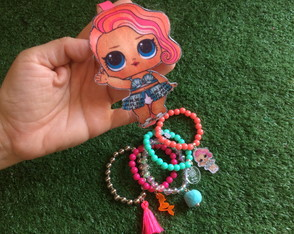 KIT LOL Treasure - Mix Pulseiras + Tiara Feltro by Vic