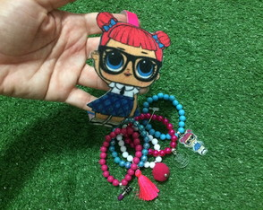 KIT LOL Teacher's Pet - Mix Pulseiras + Tiara Feltro by Vic