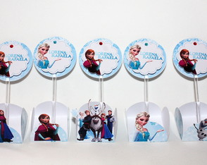 Forminhas + toppers Frozen