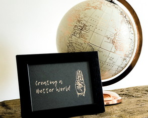 Quadro Decorativo Creating a Better World Dourado/Preto MPR