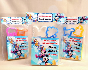 Kit Massinha Turma do Mickey Personalizado Com 2 Forminhas