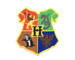 Patch Bordado Brasão Hogwarts Harry Potter - modelo1