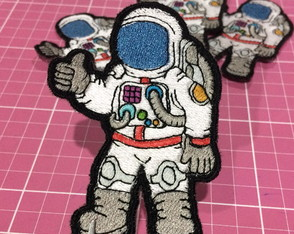 PATCH BORDADO ASTRONAUTA TERMOCOLANTE