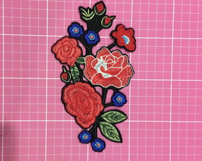 PATCH BORDADO FLORAL1 TERMOCOLANTE