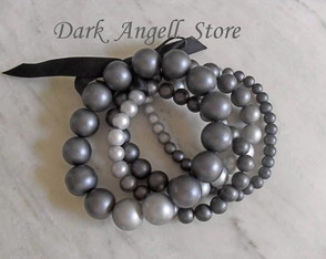 off-braceletes-gothic-pearls