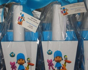 cachepo-medio-pocoyo-com-kit-colorir