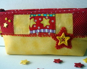 necessarie-star-red-yellow