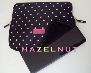 case-notebook-15-estampa-poa-preto