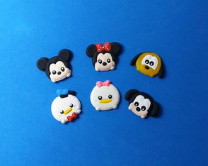 Mini aplique Turma do Mickey Tsum Tsum em biscuit