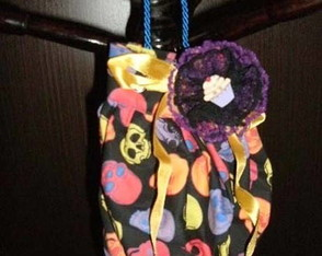 pouch-poison-com-broche-cup-cake