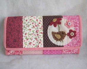 carteira-patch-tons-de-rosa-bebe-passaro