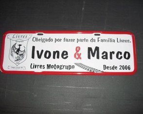 Placa Lives Motogrupo