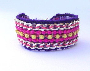 friendship-bracelet-yellow-pink