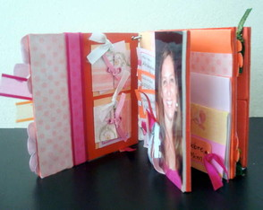 mini-album-scrapbook