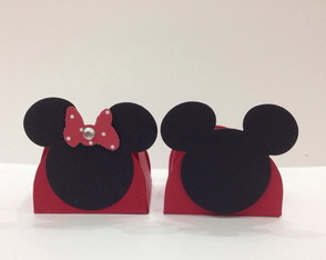 mickey-e-minnie-50-forminhas-de-doce-disney