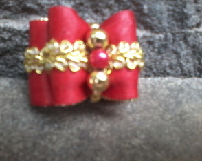 laço resinado red & gold tam.M
