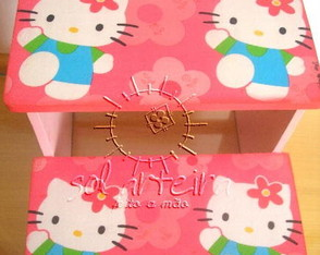escadinha-infantil-hello-kitty