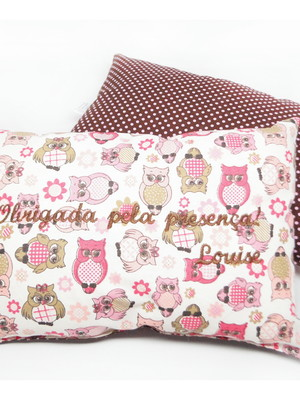 Almofadinha tipo travesseiro | bordada * 20x30cm
