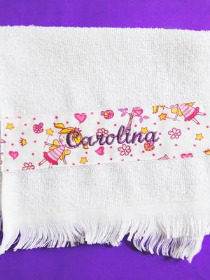 Toalhinha de mão com tecido e nome bordado *