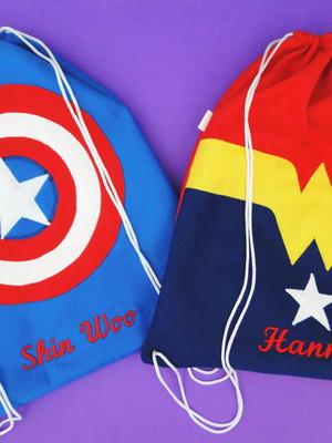 Sacolinha mochila super herói com nome *