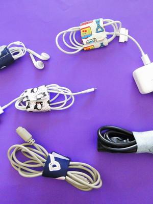 Kit 5 prendedores organizadores de fios *