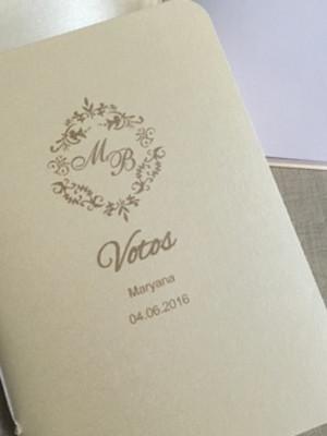 Livro de votos marfim- casamento (o par)