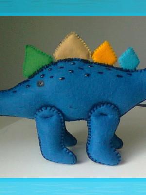 Dinossauro de feltro - Estegossauro