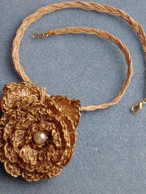 Gargantilha Flor Vintage