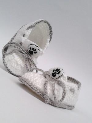 A310 Sapatinho de croche para bebe branco menino