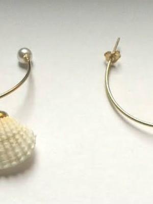 Brinco Argola Pearl and shell