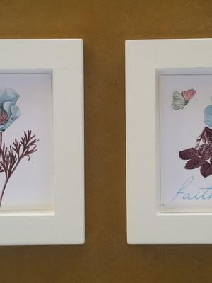 Kit 2 quadros brancos de flores 14x14cm