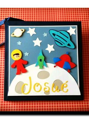 Diário do bebê personalizado menino astronauta colorido