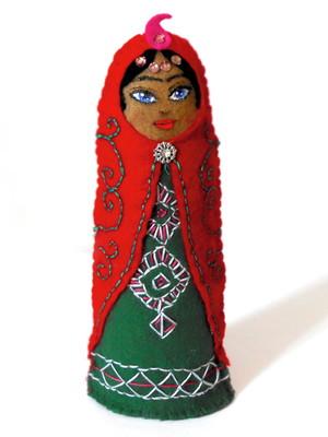 Boneca decorativa iraniana em feltro - Taraneh Shirazi