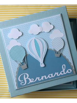 Diário bebê personalizado e caixa menino balões nuvens azul