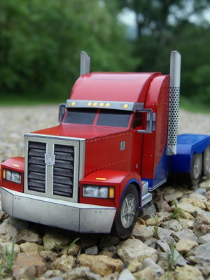 Arquivo de corte Transformers 3D Caminhão Optimus Prime