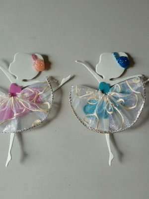 Aplique de bailarina 10 cm de eva com saia decorada.