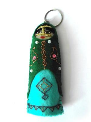 Chaveiro em feltro boneca iraniana - verde e turquesa