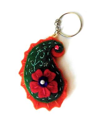 Chaveiro em feltro persa floral -verde