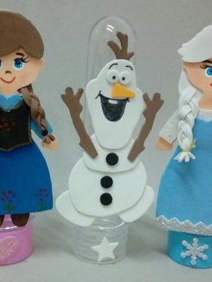 Tubetes com apliques de EVA tema Frozen.