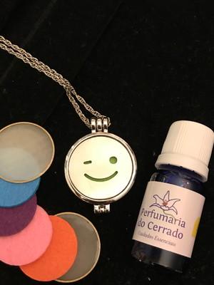 Perfume aromatizador 10 ml com Colar difusor Sorria